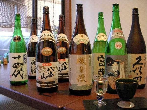全国有名地酒も各種取り揃えております。(500円~)