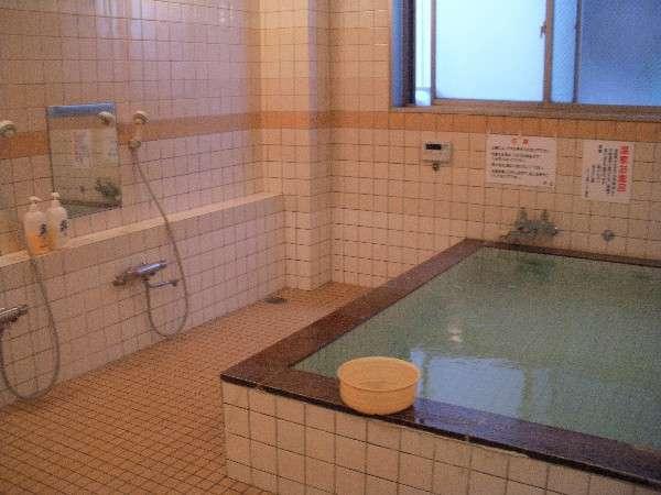男性浴室。24時間ご利用可能!
