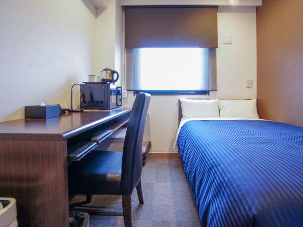 ◆シングルルーム◆壁掛32型TV・電子レンジ・wifi・空気清浄機全室完備です。