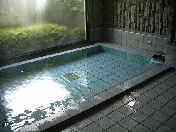 大浴場の浴槽です。ごゆっくりおくつろぎ下さいませ。