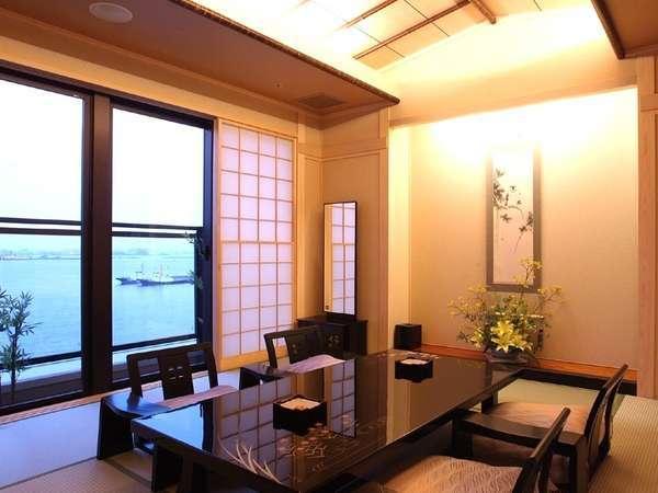 横浜港が目の前に広がる、上質な至福の和の空間「特別室」