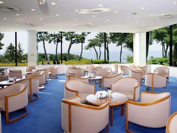 *ラウンジ/オーシャンビューラウンジで海を眺めながら「匠のコーヒー」をいかがですか?