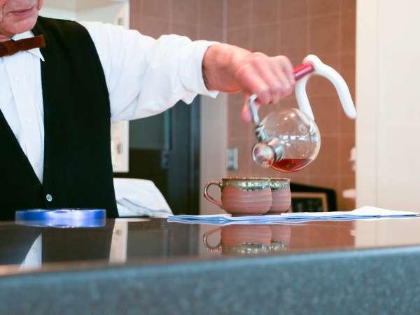 *ラウンジ/マスターが一杯ずつ心を込めて淹れる「匠のコーヒー」