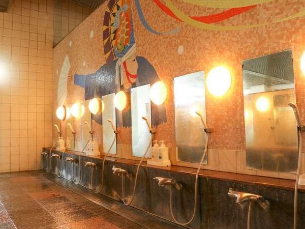 *大浴場一例/シャワースペースもしっかりとられて広々ご利用いただけます。