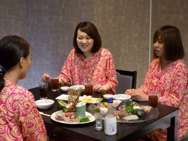 女子トークも盛り上がる♪総料理長山本が選び抜いた食材と考え抜いた料理でおもてなし
