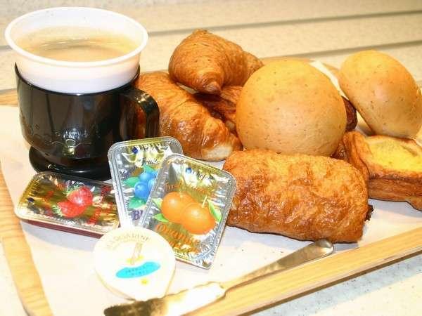 ご朝食(無料)のパンは毎朝ホテルで焼き上げます!