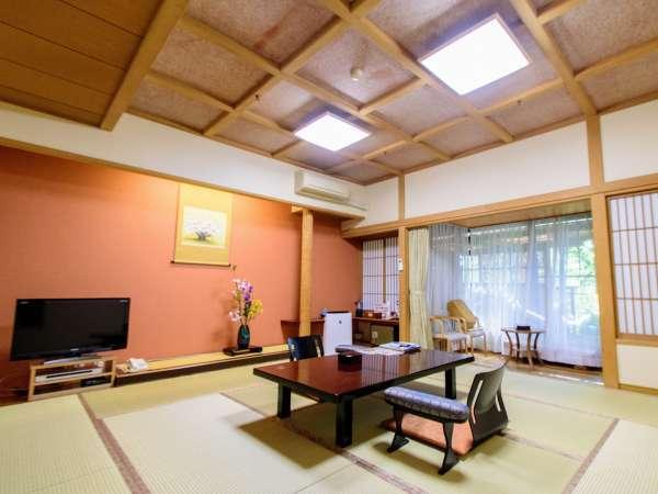 【限定2室】源泉掛け流し・露天風呂付客室はお部屋で源泉掛け流しの温泉をお楽しみいただけます。