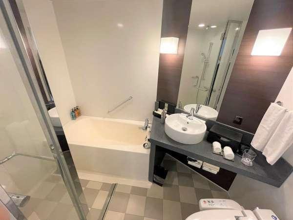 シャワーブース付バスルーム(スタンダードシングル除く)