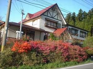 【旅館 名山】窓から湧蓋山の雄大な姿を一望できる宿