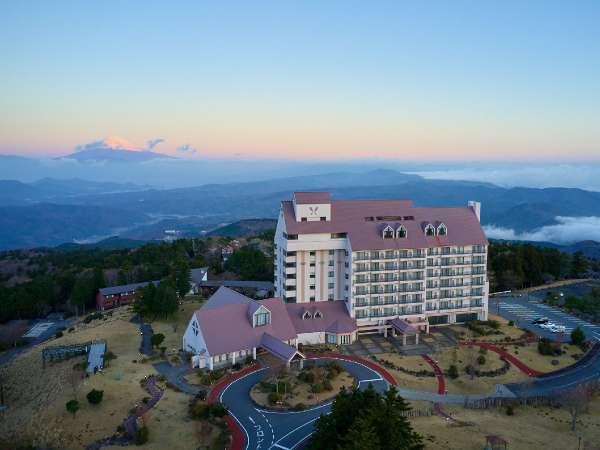 【ホテルハーヴェスト 天城高原】東急グループが運営し伊豆半島の最高地点から一望のパノラマが魅力