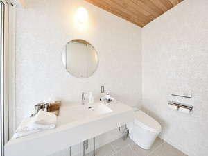 シンプルな内装のパウダールームとなっております。