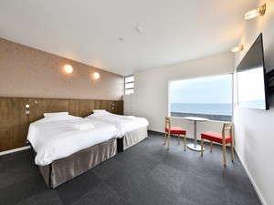 マレのお部屋です。赤いイメージのお部屋となっております。