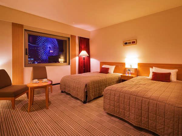 ■ツイン■28.8平米・ベット幅121センチ幅のセミダブルベット2台のお部屋。横浜が誇る極上の夜景を。
