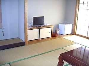 和室10畳(洗面所付き)