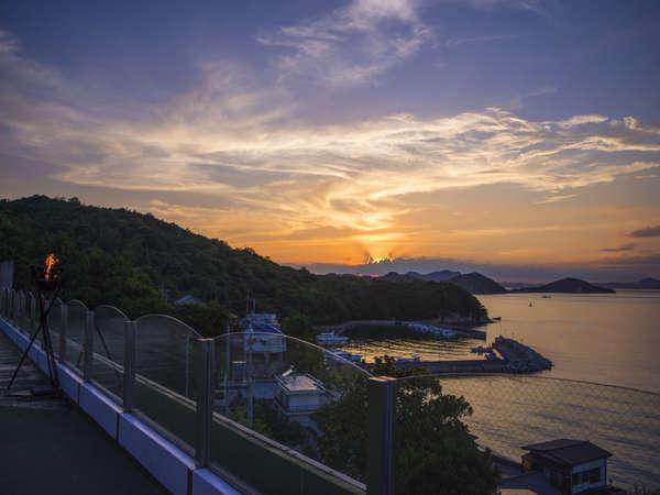 【あじ温泉庵治観光ホテル 海のやどり】眺めのよい露天風呂で絶景を楽しみ、瀬戸内の新鮮な海の幸を