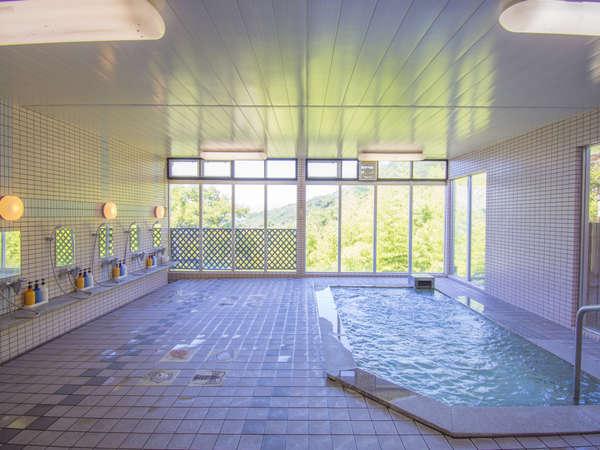 内風呂 屋内大浴場もお楽しみ頂けます。