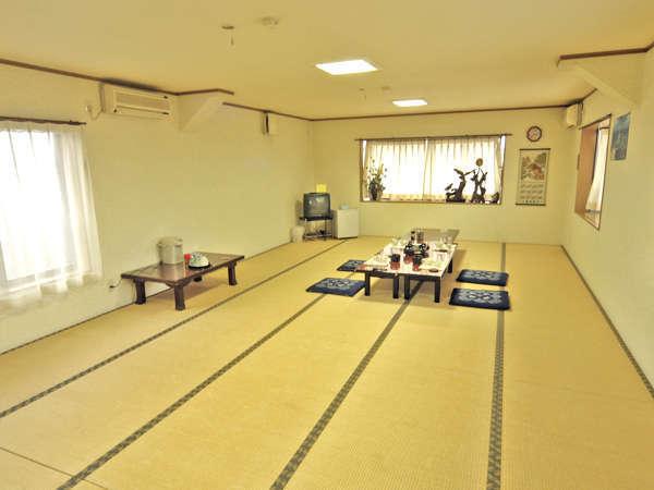 25畳のお部屋 インターネット接続可(有線LANケーブルレンタル無料)