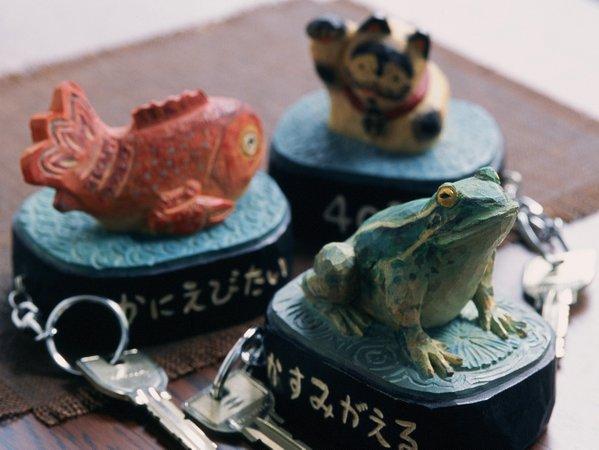 部屋の鍵たち但馬木彫の松田一戯作!一つづつがアートです。