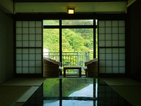 *全部屋鬼怒川ビュー/四季折々の風景がパノラマで眼下に広がります