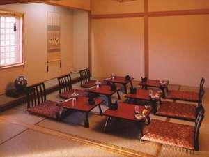会食場です。日帰りはこちらのお部屋でお休みいただきます。