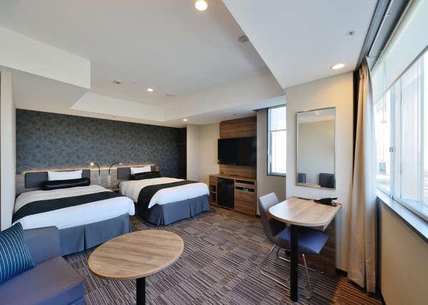 【EXツイン】36平米/120㎝幅シングルベッド2台空港側のお部屋です。