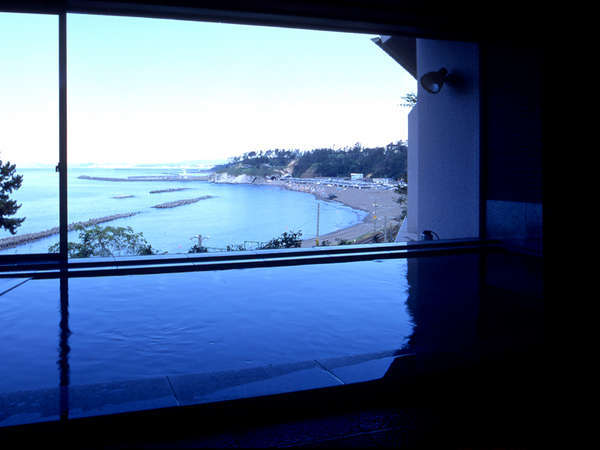 *女性大浴場『海光』/日本海を一望できる展望大浴場