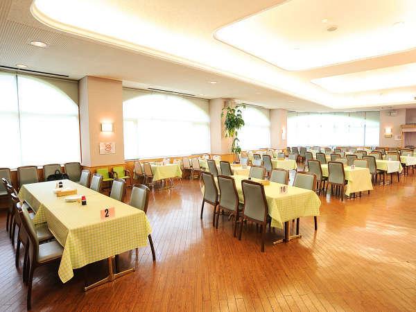 【ホテル施設/ヨービル】 ゲレンデに隣接したカジュアルレストラン。