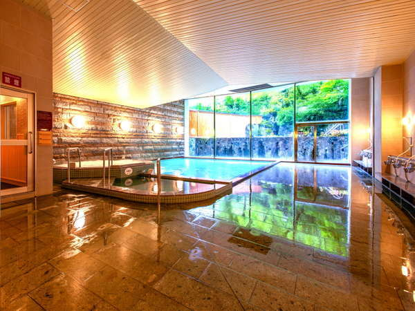 【男性大浴場】2019年6月20日リニューアルOPEN!「青葉の湯」浴場内は清潔で明るく、洗い場もゆったり♪