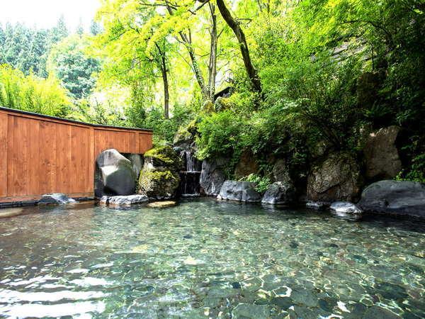 【露天風呂】越後湯沢エリア最大級!源泉滝流し、爽涼の風、神秘の星空露天を愉しむ♪