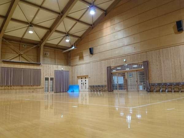 小体育館(卓球・バトミントン・ソフトバレー)吹奏楽練習や和太鼓練習でも活用頂けます。