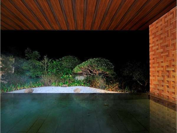 温泉露天風呂(夜は少し雰囲気が変わります)