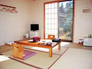 本館 和室8畳のお部屋です。