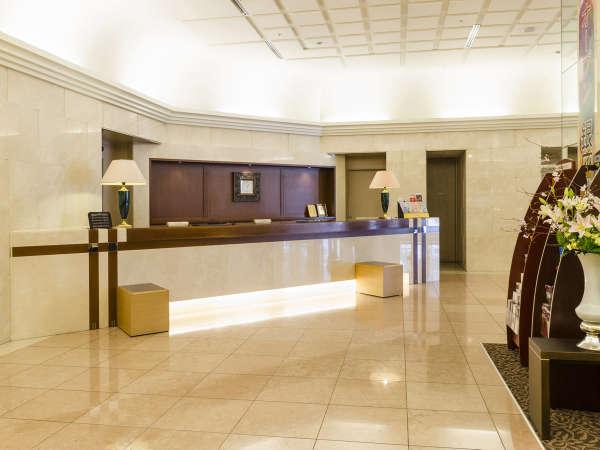 ≪フロント≫聖路加ガーデン1階にございます。客室やレストランは32階以上にございます。