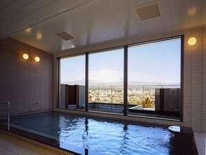<展望大浴場>日本一の富士山を眺めながらごゆっくりとお寛ぎくださいませ。