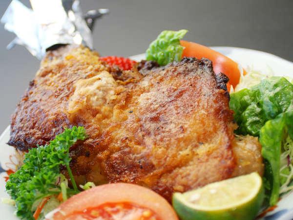 肉の旨味が詰まったジューシーな阿波尾鶏