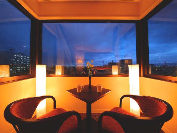 星と街の仄かな明かりに心安らぐ夜。観光・ビジネス…あなたに合わせた空間をご提供