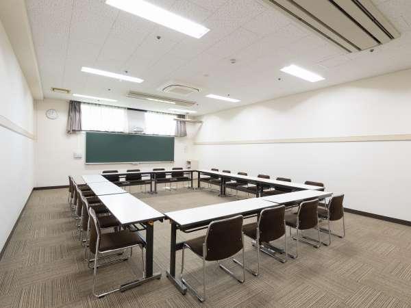 会議室(11×6) 10会場 Wifi完備    No1・2はカーペット No3-5はPタイル