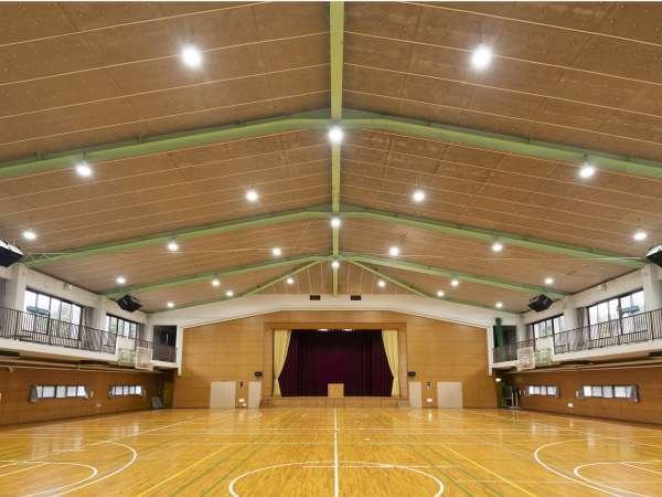 体育館(30×28×H13)         バスケ2面・バレー2面・バドミントン4面
