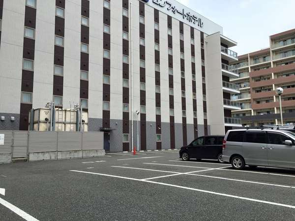 ホテル敷地の平面駐車場イメージ