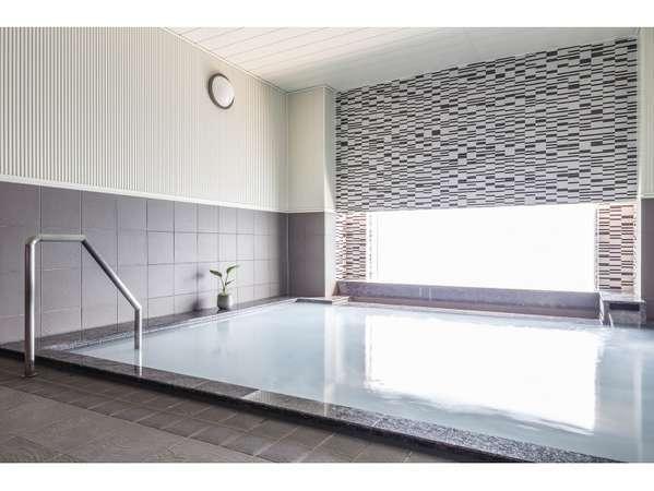 2階大浴場『絹の湯』15時から24時まで翌朝は6時から8時30分まで営業。