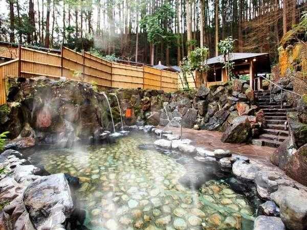 【湯快リゾート 湯村温泉 三好屋】湯けむり荒湯と星と森の露天風呂