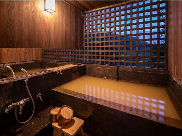 客室にある半露天風呂からもカウンターからと同じ景色が見られます(半露天付和洋室)