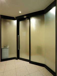 喫煙スペース:1階フロント奥にございます。