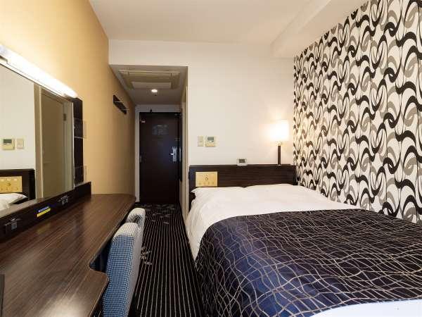 【セミダブルルーム12㎡】快眠を追及したアパホテルオリジナルベッドを導入(122cm幅)