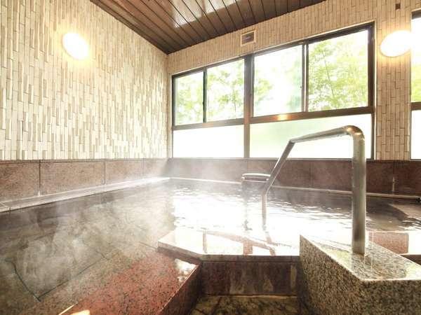 1階にある内風呂手すりあり足が不自由なお客様も安心してご入浴頂けます。