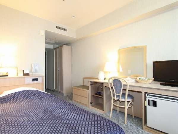コンフォートシングル(16-17㎡) ゆったりとしたお部屋はシンプルで機能的