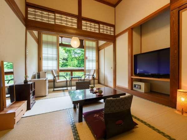 【木造本館・7畳】木の温もりと自然を感じる本館和室。