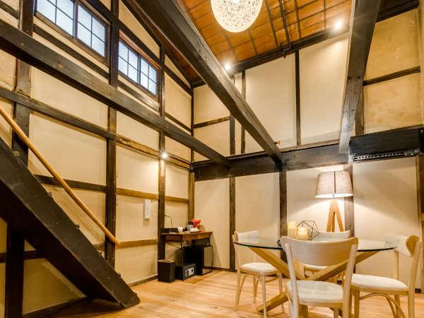 【藤301】2018年8月OPEN!古民家ならではの雰囲気を楽しめるメゾネットタイプの客室