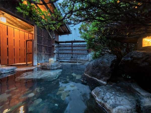 4つの貸切露天風呂はご滞在中何度でも無料でご利用頂けます!夜間も開放中です♪
