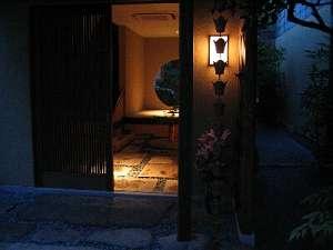 門灯と内玄関